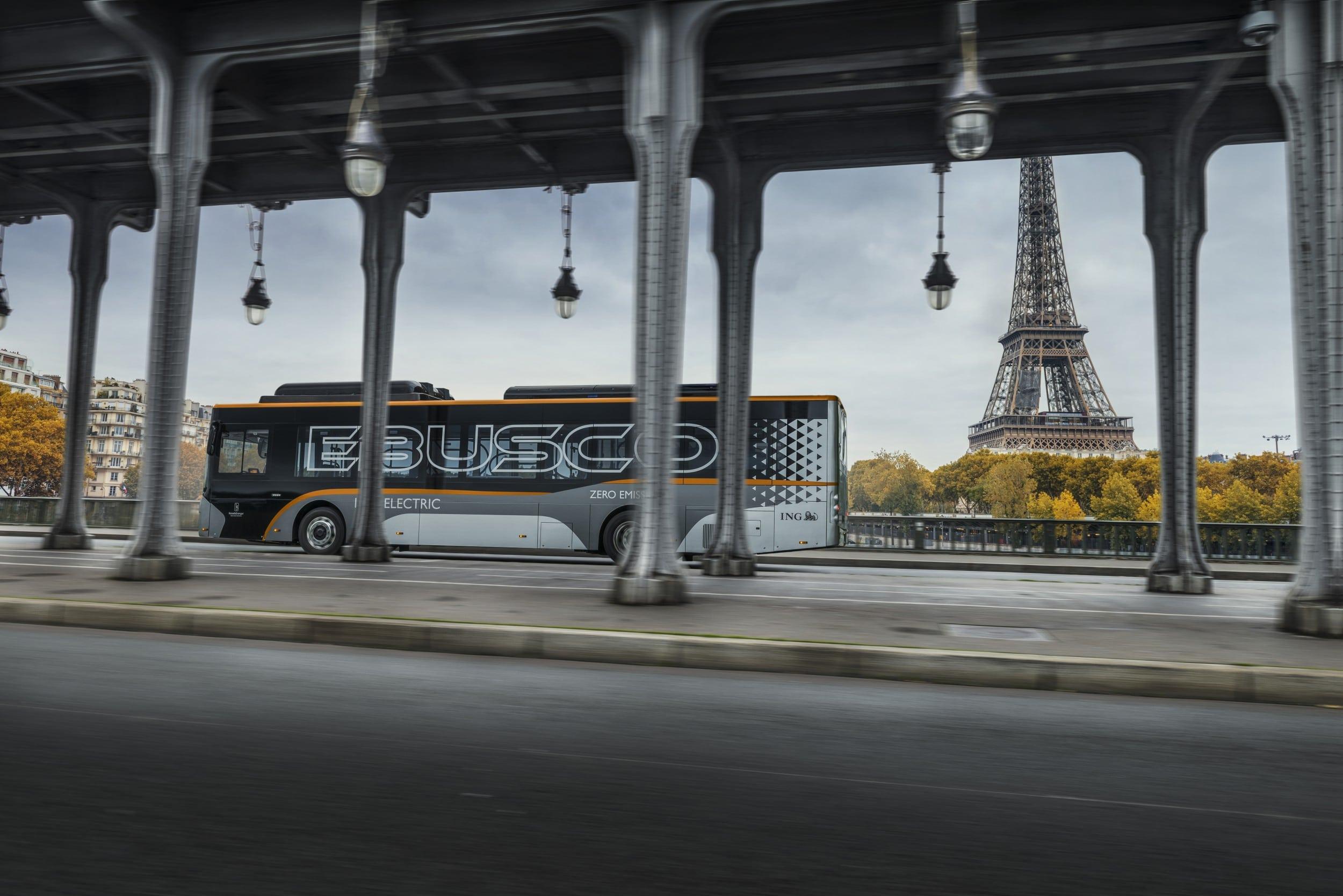 Ebusco bus in Paris with Eiffel Tower